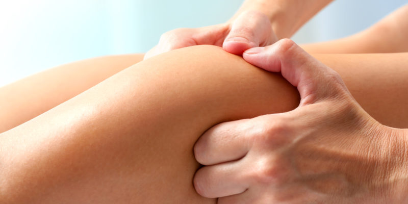 Athlet therapeutische Wadenmuskel - Massage